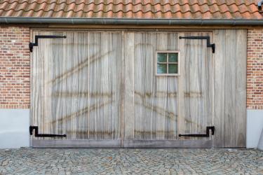 TMO-Hulsel-authentiek-houten-garagedeur